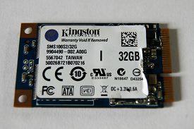 Скрещиваем Micro-SATA SSD с EeePC 900